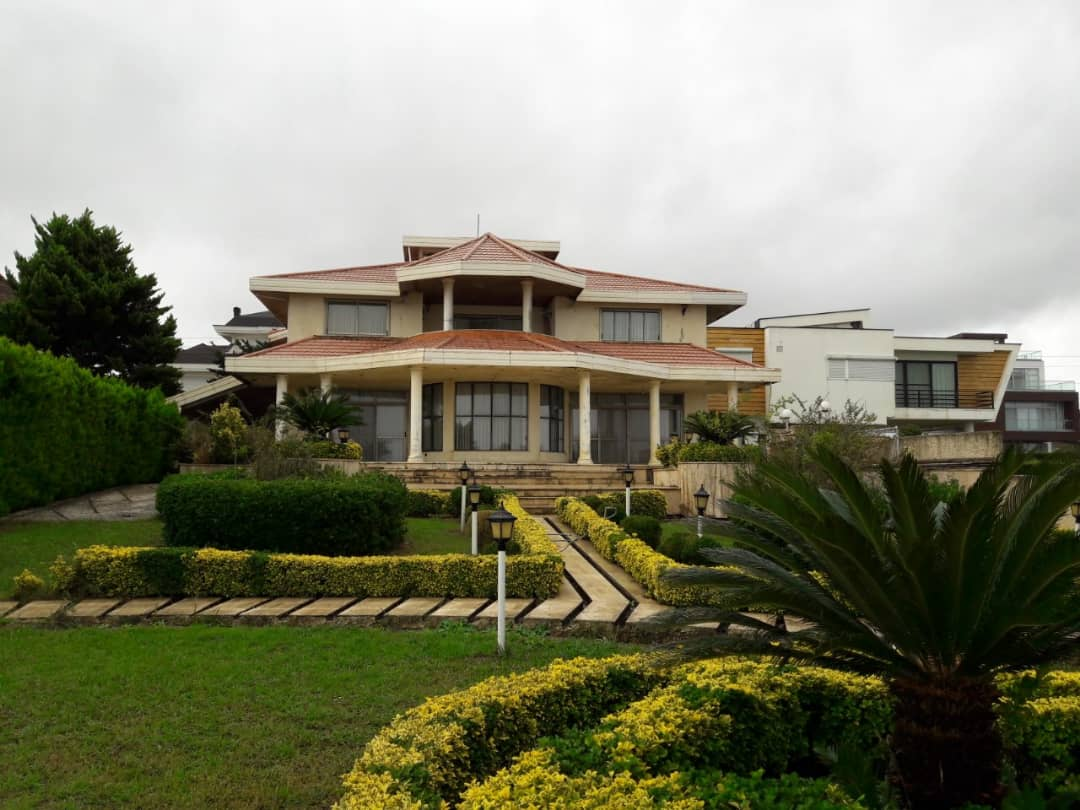 ویلا ساحلی لب آب شهرکی واقع در ایزدشهر